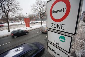 Nur noch Fahrzeuge mit grüner Plakette dürfen in die Innenstadt fahren
