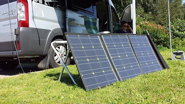 tested by UMIWO: Mobiles faltbares 100 Wp Solarpanel