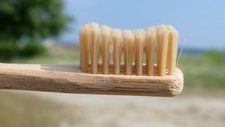 Mundhygiene auf Reisen – wir zeigen dem Plastikwahn die gesunden Zähne