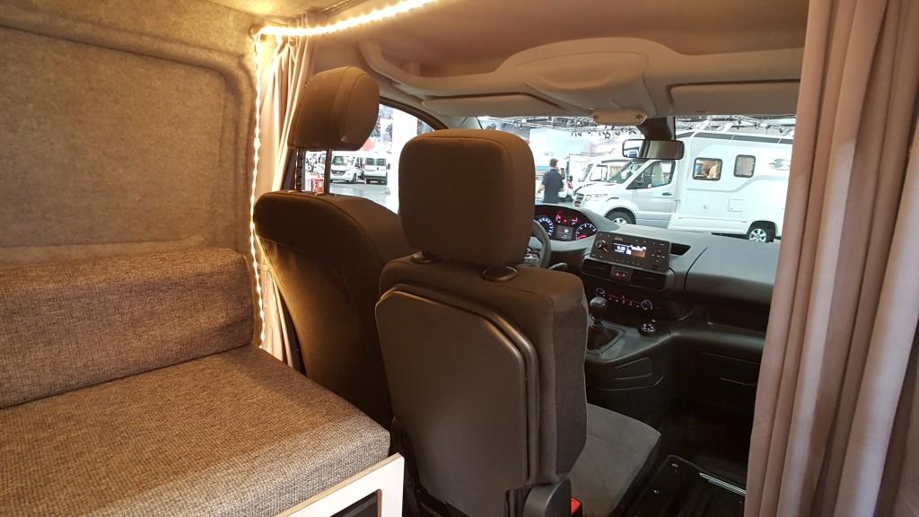 Peugeot Partner Minicamper vordere Sitze